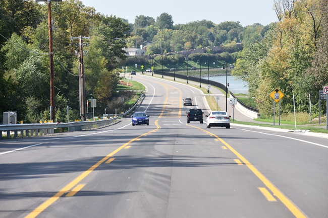 Wayzata Boulevard at Long Lake shoreline